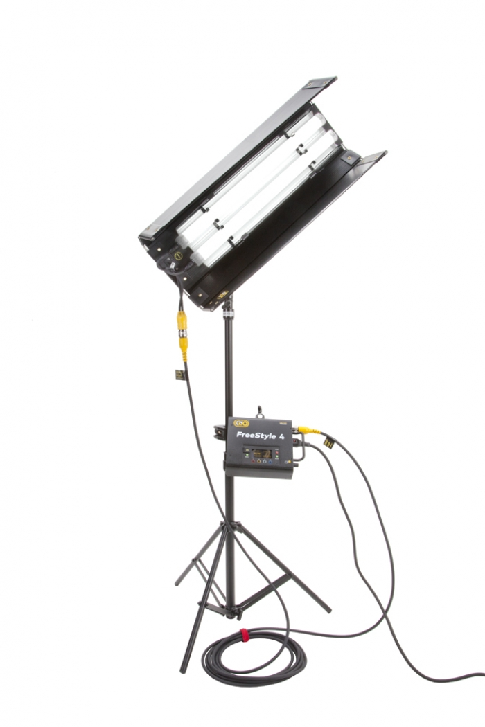 Kino Flo FreeStyle T22 LED DMX System, Universal, LED Tubes RGBWW 2ft 2 foot feet 2bank astera quasar